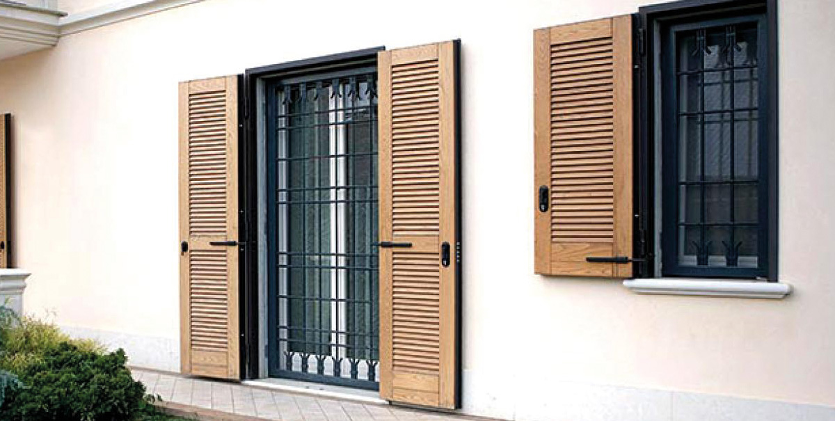 Inferriate per porte finestre apribili trendy grate per porte finestre apribili mantova with - Sbarre per porte e finestre ...